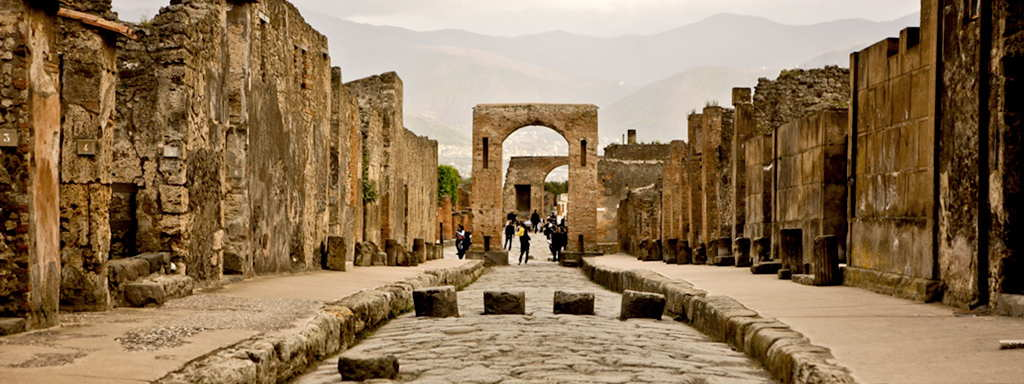 Sorrento to Rome via Pompeii 1