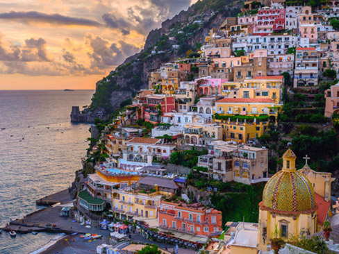 Pick up from Napoli Centrale Station and Transfer to Positano